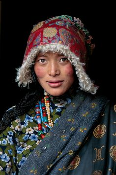 """Tibet, Steve McCurry"" ------------------------- Beautiful combination of prints, colors, textures."