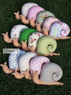 slimák, slimáčik, šitá dekorácia, doplnok nielen pre deti :-)