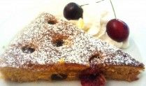 Torta integrale con ciliegie  http://blog.ecquobottega.it/2014/06/torta-integrale-con-ciliegie/