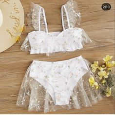 Bikinis, Bikini Swimwear, Bordado Floral, White Swimsuit, Swimsuit With Skirt, White Bikini Set, Mesh Skirt, Cute Swimsuits, Bra Types