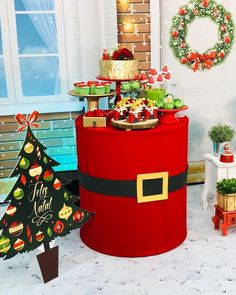 Awesome Christmas decoration tips are offered on our internet site. Have a look and you wont be sorry you did. Christmas Balloons, Christmas Backdrops, Mickey Christmas, Christmas Party Decorations, Christmas Love, Christmas Holidays, Christmas Crafts, Christmas Candy, Deco Noel Disney