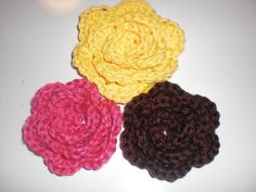 Crochet Flowers | The Pumpkin Patch: Whatever Wednesday -- Crochet flowers tutorial