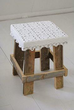 Jeito S: Ideias de banquinhos que você mesmo pode decorar em casa...