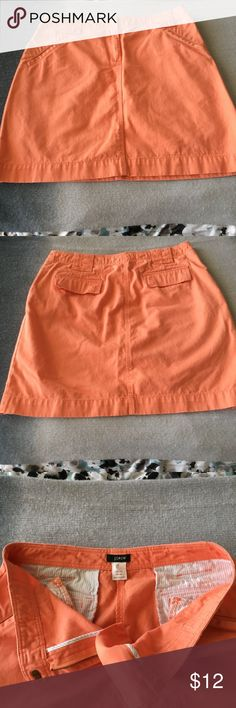 """Good used condition! J Crew cotton mini skirt! 💥A-line casual mini skirt has wide belt loops,  zippered front, 2 front hip pockets,  and 2 back pockets with flaps that cover 2  set of buttons securing the pockets  length is 18"""", around waist is 32"""". J. Crew Skirts Mini"""