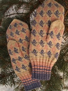 Finely Hand Knitted Estonian Mittens in Pink blue and White - warm and windproof
