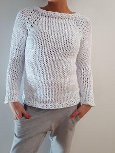 https://elengiina.blogspot.fi/2018/01/trikookuteesta-neulottu-paita.html  #knitted #sweater #trikookude #chunkyyarn
