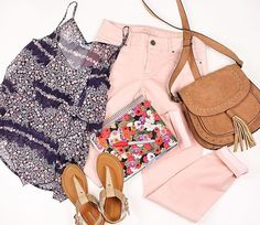 Spring has sprung & sunny days have begun! ☀️ #discovermaurices #prints #jeggings #maurices #spring