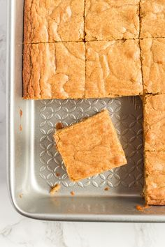 A classic, easy recipe for the best Blondies ever! Dense, with a delicious butter/brown sugar flavor, you'll make these over and over! Butterscotch Blondie Recipe, Butterscotch Blondies, Blondie Brownies, Blondies Brownies Recipe, How To Make Blondies, Brownie Recipes, Cookie Recipes, Dessert Recipes, Recipes