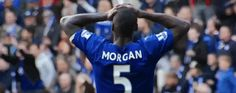 football soccer what fans captain miss huh seriously calcio epl leicester city lcfc leicester city fc king power stadium wes morgan hands on head via diggita