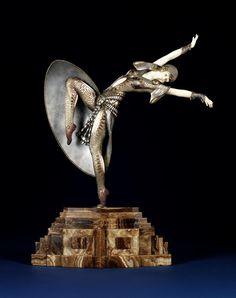 Art Deco - Demetre H. Chiparus (1886/1947) - Escultor Romeno.