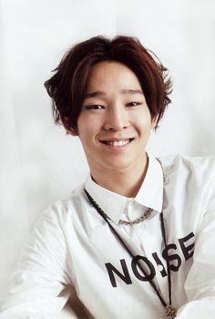 Happy birthday to Winner's Taehyun Birthday: May 10, 1994 American age: 22 International age: 23