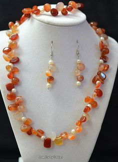 Carnelian stones with white pearls