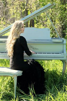 Senior pictures with piano