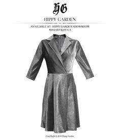 Čista forma ženstvenosti koja ima spontani dodir profinjene elegancije i luksuza. Zahvaljujući harmoničnom volumenu i proporcijama u kombinaciji sa inovativnim materijalom žena u ovoj Hippy Garden haljini postaje neprikoslovena vladarica. Dostupna na Web shopu: http://hippygarden.net/products-page/dresses/haljina-silver/ Hippy Garden Showroom Masarykova 5  #fashion #hippygarden #design #masarykova5 #silver #dress