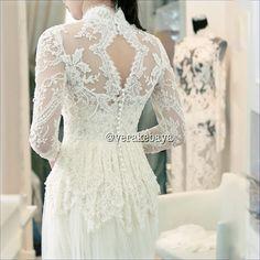 Wedding gown kebaya version Vera Kebaya, Kebaya Lace, Batik Kebaya, Kebaya Brokat, Kebaya Wedding, Bridal Wedding Dresses, Gaun Dress, Model Kebaya, Gorgeous Wedding Dress