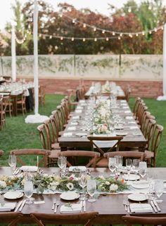 Outdoor Al Fresco Colorado wedding tablescape: http://www.stylemepretty.com/colorado-weddings/boulder/2015/12/01/elegant-intimate-al-fresco-colorado-wedding/ | Photography: Laura Murray Photography - http://lauramurrayphotography.com/