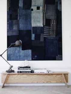 Months ago, I spotted an indigo patchwork quilt hanging in the home of Swedish stylist Lotta Agaton. It looked to me like an abstract painting, and I've be Salon Interior Design, Interior Stylist, Salon Design, Hedendaags Design, Design Ideas, Email Design, Design Color, Modern Design, Interior Bohemio
