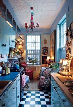 35 Colorful Boho Chic Kitchen Ideas to Decorate Your Room Love bohemian style? These bohemian kitchen gallery have a lot of common option for decorations and design elements. You are able to pick and select the one which suits your need the very best. Boho Kitchen, Kitchen Styling, Rustic Kitchen, Kitchen Design, Kitchen Ideas, Hippie Kitchen, Eclectic Kitchen, Kitchen White, Deco Retro