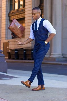 e the Chelsea boots. Here are the ways to combine Chelsea boots: Chelsea Boots Outfit, Chelsea Boots Style, Brown Leather Chelsea Boots, Mens Boots Fashion, Mens Fashion Suits, Fashion Mode, Fashion Outfits, Style Fashion, Fashion Ideas