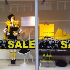 yellow/black, pinned by Ton van der Veer Retail Windows, Shop Windows, Black Week, Shop Sale, For Sale Sign, Shop Window Displays, Sale Poster, Retail Shop, Visual Merchandising