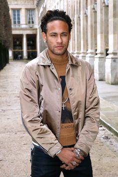 Neymar Jr, Psg, Neymar Wallpaper, Football Players, Neymar Football, Louis Vuitton, Best Player, Esquire, Messi
