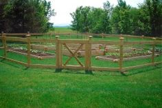 1007 Hemlock Board garden fence