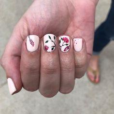 Spring Floral Nail Art - Pink Nails - Squared Shape Nails #thewnailbar #squarenails #naildesign #nailart Spring Nail Trends, Spring Nails, Floral Nail Art, Nail Bar, Square Nails, Nail Inspo, Nail Designs, Shapes, Beauty