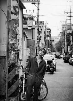 Jinhwan For Madame vigaro Japan Magazine . Kim Jinhwan, Chanwoo Ikon, Hanbin, Ikon Wallpaper, Wallpaper Backgrounds, Wallpapers, Ikon Member, Korean Bands, Find Picture