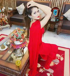 Oshin Brar, Patiala Suit Designs, Nice Dresses, Girls Dresses, Stylish Dpz, Girl Trends, Stylish Girls Photos, Dress Indian Style, Cute Girl Photo