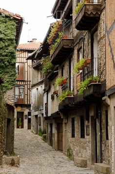 La Alberca, pueblo con encanto Salamanca Beautiful Sites, Beautiful Places, Places To Travel, Places To Visit, Medieval Town, Aragon, Architecture Old, Weekend Trips, Spain Travel