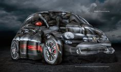 Reklama Abarth 500 z USA - kilkanaście olśniewającej urody kobiet: modelek, artystek i gimnastyczek tworzy sylwetkę Fiata 500 Abarth Cabrio