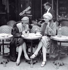 Великолепие моды 20-х годов. Улицы