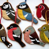 A set of handmade felt bird ornaments, celebrating much loved British birds.  Lovely decorations for your Christmas tree, or to add some birdie charm to your decor all year round!  You will receive one ornament in each design shown: coal tit, bluetit, ...