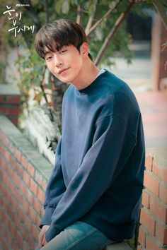 Nam Joo Hyuk for The Light In Your Eyes - Still Cuts 🎬 Credit: jtbc Nam Joo Hyuk Lee Sung Kyung, Jong Hyuk, Manado, Weighlifting Fairy Kim Bok Joo, Who Are You School 2015, Cute Korean Boys, Asian Boys, Nam Joohyuk, Hallyu Star