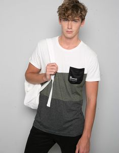 Bershka Malaysia - Mixed print T-shirt with pocket 'Be Stronger' Camisa Polo, Sweat Shirt, Summer Outfits Men, Tee Shirt Designs, Cut Shirts, Mens Tees, Lounge Wear, Street Wear, Menswear