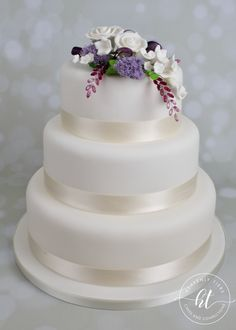 We produces delicious handmade and beautifully decorated cakes and confections for weddings, celebrations and events. Handmade Wedding, Celebration Cakes, Celebrity Weddings, Heavenly, Cake Decorating, Wedding Cakes, Rose, Celebrities, Desserts