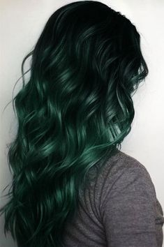 10 Shades of Winter Hair Color Dark, vibrant ombré color is perfect for this winter! Now that winter is here, I thought it would be fun to showcase some of my favorite shades of winter hair color. Green Hair Colors, Hair Color Dark, Ombre Hair Color, Cool Hair Color, Green Hair Ombre, Black Ombre, Emerald Green Hair, Vibrant Colors, Black And Green Hair
