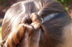 The top part is an Inverted Pull-Through and the bottom half is a regular Pull-Through Wand Hairstyles, Funky Hairstyles, Pretty Hairstyles, Braided Hairstyles, Girl Hair Dos, Cute Little Girl Hairstyles, Toddler Hair, Love Hair, Hair Hacks