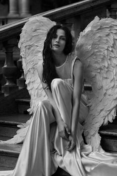 Dark Angels, Angels Among Us, Angels And Demons, Fantasy Kunst, Fantasy Art, Foto Picture, Ange Demon, Angel Aesthetic, Angel And Devil