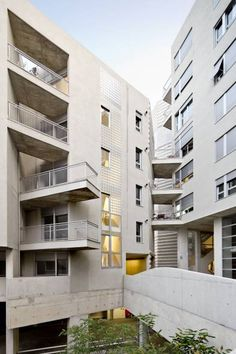 Edificio 111. Social Housing in Barcelona.