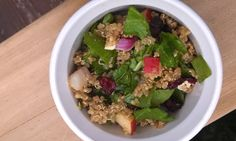 oh, that's tasty! :): Quinoa and spinach salad with balsamic vinaigrette