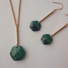 Malachite Monday. The simplicity of our Montrose earrings and necklace perfectly shows off this beautiful stone. #lolaroseuk #jewellery #semiprecious #Monday