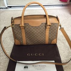 Authentic vintage bag perfect condition!w/dustbag Authentic Gucci vintage bag from memes! This bag has no flaws it's like in perfect condition! Beautiful color with gold hardware no ware or Tare anywhere! This is about the size of a speedy 25. Comes with dust bag and authenticity paper!!! Needs a great new home! Gucci Bags Shoulder Bags