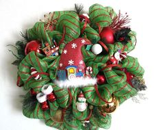 Deco Mesh Santa Wreath | There's more to see ! Come take a look