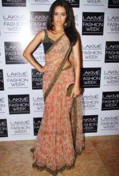 Shraddha Kapoor - Lakme Fashion Week Love this understated beauty and simplicity of this pretty chiffon floral sari/lehenga Sabyasachi Sarees, Lehenga, Indian Sarees, Anarkali, Shraddha Kapoor Saree, Ethnic Sarees, Handloom Saree, Indian Dresses, Indian Outfits