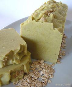 El arte del jabón: Como se hace el jabón Oatmeal Soap, Cold Process Soap, Soap Recipes, Home Made Soap, Natural Cosmetics, Handmade Soaps, Soap Making, Food Inspiration, Homemade
