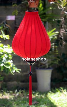 Hoian - Vietnamese Silk Lantern  1. Description of Items  Hoian Lantern was made from 100% Jacquard silk fabric stretched over a bamboo frame with a tassel below. These lanterns are inspired by Vietnamese artisans and is meant to bring good fortune. These Vietnamese silk lanterns are handmade using Jacquard silk and brocaded fabric.The beautiful Vietnamese silk lanterns are a wonderful way to decorate home , restaurant or hotel …Ship as a narrow tube , then expands like an umbrella in less…