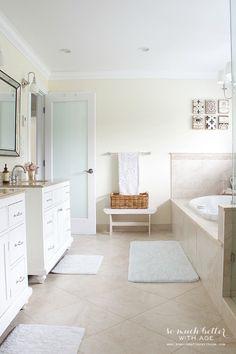 Large neutral master bathroom | somuchbetterwithage.com