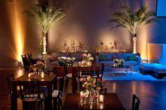 mesas bistrô, vasinhos vidro, flores
