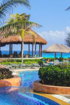 The pool at the JW Marriott Cancun Resort & Spa